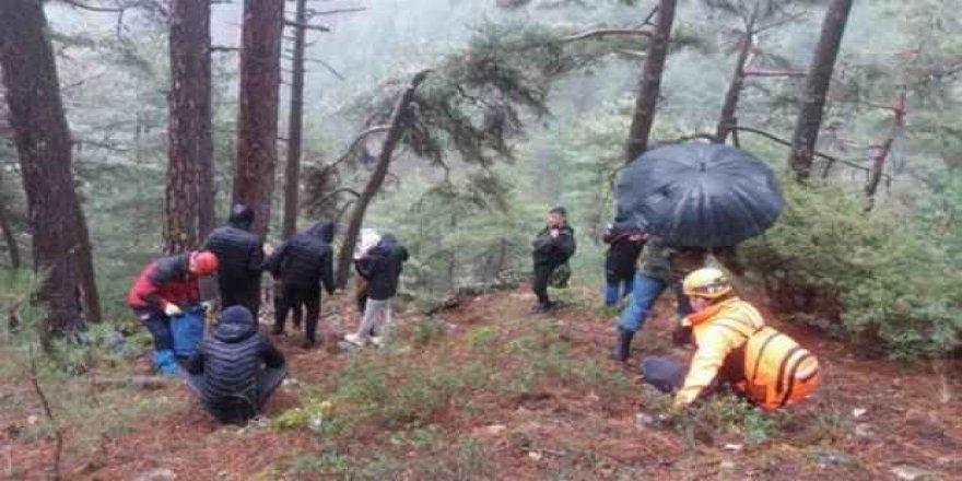 Denizli'de dağda kaybolan 3 genç 13 saat sonra bulundu