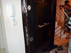 Hırsızlar Çalacak Bir Şey Bulamayınca Evi Talan Etti