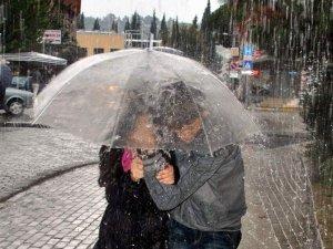 Yağış fırtınayla birlikte birlikte etkili olacak