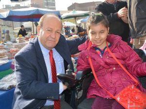 """Başkan Özakcan; """"Engellilere Acıyarak Onların Sorunlarını Çözemeyiz"""""""