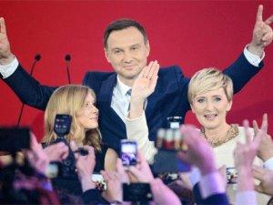 Polonya'da cumhurbaşkanlığı seçimlerini Duda kazandı