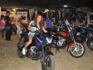 Motosiklet Tutkunları Kuşadası'nda Buluştu