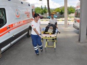 Aydın Nazilli'de Trafik Kazası: 3 Yaralı