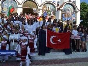 """DÜ'ye Yunanistan'da """"En İyi Koro"""" Ödülü Verildi"""