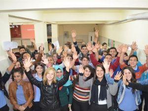 Antalyalı Çocuklar, İnsanların Farklı Özelliğini 'Zenginlik' Olarak Görüyor