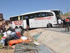 Sivas'taki Otobüs Kazasında Yaralı Sayısı 39'a Yükseldi
