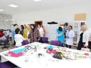 Kadın Girişimcilerden Engelli Eğitim Merkezi'ne Ziyaret