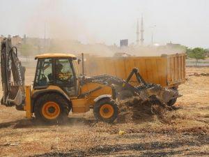 Artan Anız Yangınları Üzerine Belediye Yabani Otları Temizliyor