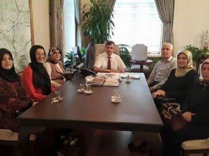 Ensar Vakfı Manisa Kadın Kolları'ndan Vali Bektaş'a Ziyaret