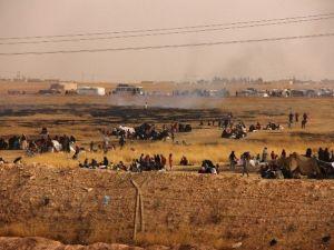 Çatışmalardan Kaçan Suriyeliler Sınıra Dayandı