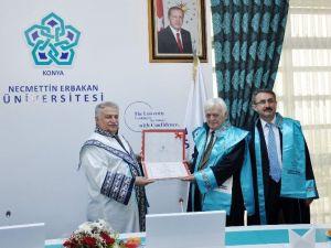 NEÜ'de Mehmet Genç'e Fahri Doktora Unvanı Verildi