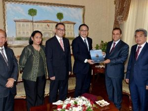ASEAN Üyesi Ülkelerin Büyükelçilerinden Vali Türker'e Ziyaret