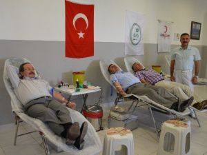 DSİ'den Kızılay'a Kan Bağışı