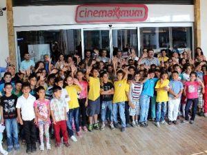 Aydın'da  Minik Öğrenciler Sinemayla Tanıştı