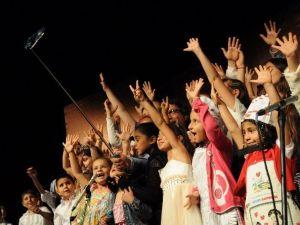 Kadınlar Tiyatro Kurdu, Sahneye Çıkıyor