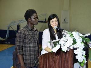 Mezuniyet Törenini Yabancı Uyruklu Öğrenciler Sundu