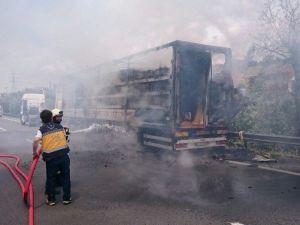 TEM'de LPG Yüklü Tanker Alev Aldı