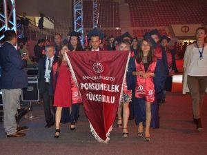 Anadolu Üniversitesi'nde Mezuniyet Coşkusu Başladı