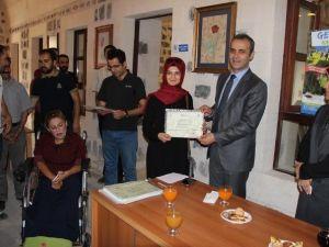 Gençlik Merkezi Kursiyerlerine Sertifikaları Törenle Verildi