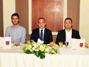 AK Parti Milletvekili Turan'dan Teşekkür Yemeği