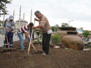 Edirne Belediyesi Süs Havuzlarını Yeniliyor