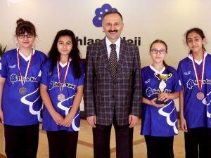 İhlas Koleji Badminton Takımı İstanbul Üçüncüsü Oldu