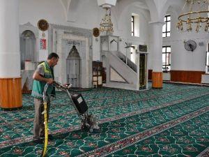 Ramazan Ayı Öncesi Camilerde Temizlik Başladı