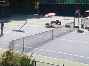 Karaelmas Festivali Çerçevesinde Tenis Turnuvası Düzenleniyor