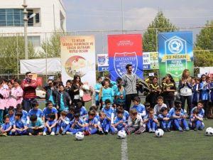 Büyükşehir Futbol Akademisi'nde Kayıtlar Devam Ediyor