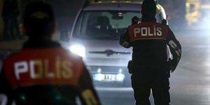 Aydın'da arama yapılan otomobilde sikke ve uyuşturucu ele geçirildi