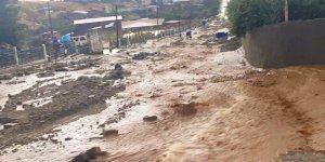 Buharkent'te sel felaketi... Büyükşehir seli siyasete çevirdi