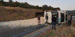 Maden yüklü kamyon devrildi: 1 yaralı