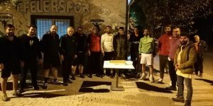 Efeler Belediyesi personelleri ve gazeteciler yeşil sahada ter attı