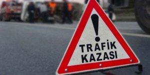 Aydın'da kamyonet bariyerlere çarptı: 2 yaralı